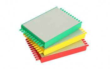 BOX CARP FOR LEADERS  (22.5 - 35 x 9.5 x 2.5 cm)