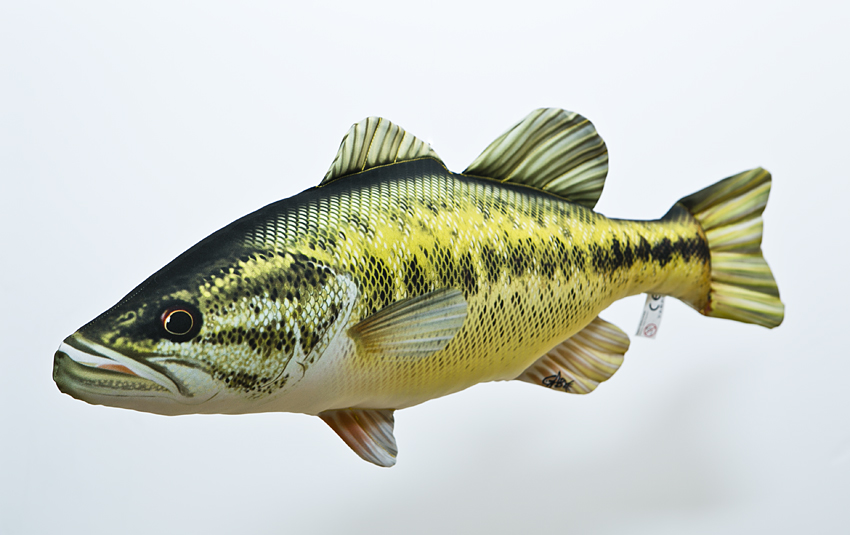 Black Bass - 67 cm polštářek